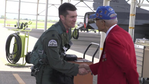 Tuskegee Airman visits 187th FW