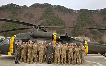 ROKA III Corps Commander thanks U.S. helicopter crews