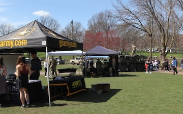 780 MI Bde. Talks to the Public About Cyber on Boston Commons