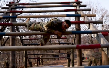 Soldiers Compete in 2ID Best Warrior Competition Obstacle Course