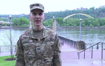 U.S. Army Reserve Soldiers race in Pittsburgh Marathon