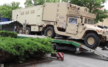 1st Infantry Division Soldiers prepare vehicles for Wet Gap Crossing