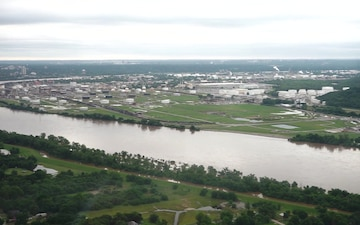 OK Gov., Tulsa Mayor assess flood levels