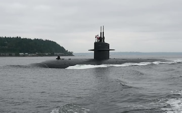 USS Pittsburgh Arrives in Bremerton