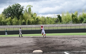 Youth Sports holds a friendly baseball tournament (Package/Pkg)