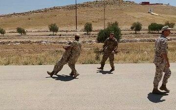 JAF, US artillerymen exchange medical practices