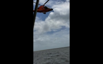 Coast Guard rescues grounded boaters