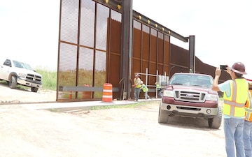 Rio Grande Valley Gate Installation