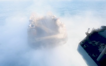 USS Wasp (LHD 1) and (NBU) 7 Conduct LCAC Launch and Recovery Operations During Talisman Sabre 2019