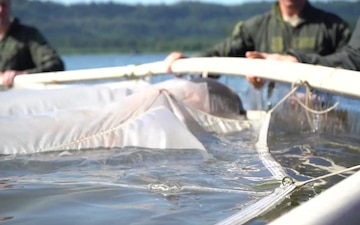 Fighter Pilots Participate in Water Survival Training on Columbia River