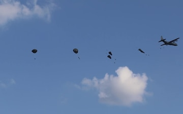 2BCT, 82nd Abn. Div. White Falcons Conduct Airborne Operation