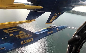 Blue Angels Diamond 360 Over Lake Washington