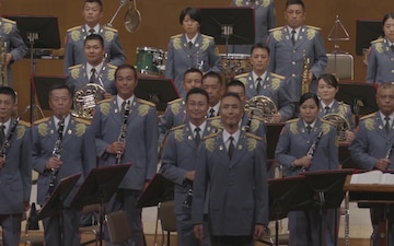 U.S. Marines, Japanese soldiers host musical concert