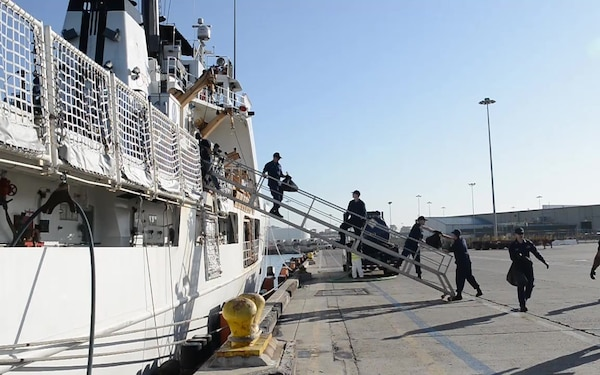 The Coast Guard Cutter Alert crew conducted a drug offload in San Diego, Oct. 16, 2019. The crew offloaded more than 6,800 pounds of cocaine, worth an estimated $92 million, seized in the Eastern Pacific Ocean. (U.S. Coast Guard B-Roll footage by Petty Officer 2nd Class Brandon Giles)