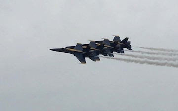 Blue Angels Perform in Iowa