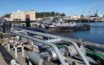 The Los Angeles-class fast-attack submarine USS Olympia (SSN 717) arrives at Naval Base Kitsap-Bremerton