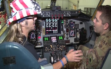 Bret Michaels visits Iowa Air National Guard prior to Sioux City concert