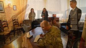 General Harrigian Visits Aviano Air Base