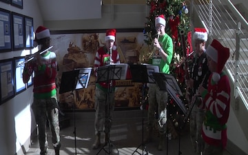 1st Armored Division Band plays Jingle Bells for Iron Soldiers