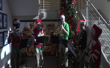 1st Armored Division Band plays Joy to the World for Iron Soldiers