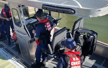 Coast Guard Station Grand Isle conducts safety boardings