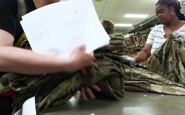 Logistics On Location Fort Benning Clothing Recruits
