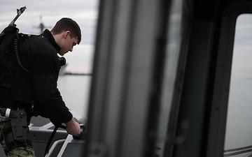 Citadel Shield-Solid Curtain 2020 NWS Yorktown Small Boat Probe/Attack (B-Roll)