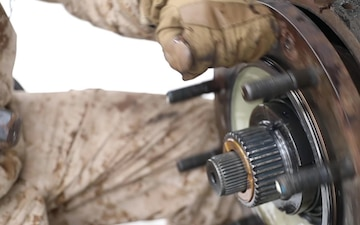 Wintry Logistics   U.S. Marines, Sailors attached to the LCE participate in exercise Northern Viper