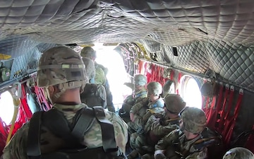 5TH RANGER TRAINING BATTALION CH-47 CHINOOK AIRBORNE JUMP