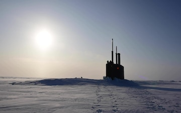USS Toledo (SSN-769) Surfaces at Ice Camp Seadragon