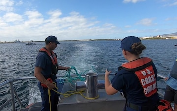 Coast Guard and NOAA personnel conduct whale disentanglement training