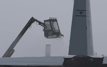 De-iced Hercules carries out Missouri Guard mission
