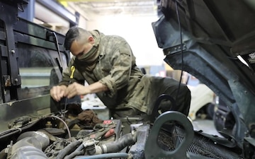Paratroopers Conduct Essential Maintenance