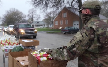 Nebraska Soldiers help distribute food in Tecumseh