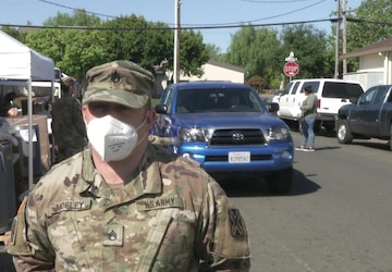 California Guardsmen issue food to Napa recipients