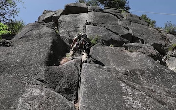 1st SFG (A) Green Berets conduct mountain training