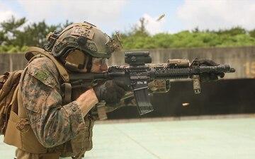 Force Reconnaissance Platoon conducts combat marksmanship training