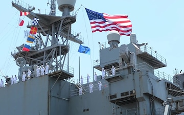 USS Oak Hill Returns to Homeport