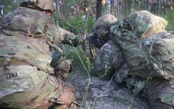 Paratroopers conduct tactical training