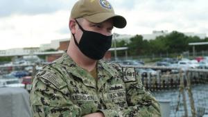 Former Cole Sailor visits USS Cole