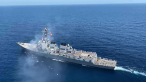 USS Winston S. Churchill commemorates the 20th anniversary of the attack on USS Cole