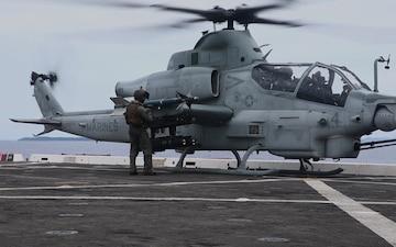 VMM-262 (REIN), 31st MEU fly onto USS New Orleans (LPD 18)