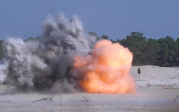 MWSS-271 Engineer Company conducts obstacle breaching