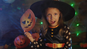 HALLOWEEN SAFETY MINUTE