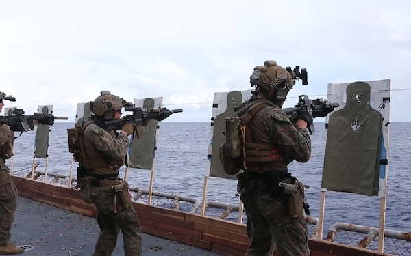FRP, ARP, 31st MEU conduct live fire exercise aboard USS America