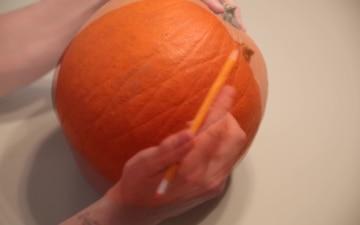 "USMC ""Devil Dog"" Pumpkin Carving - Halloween 2020"