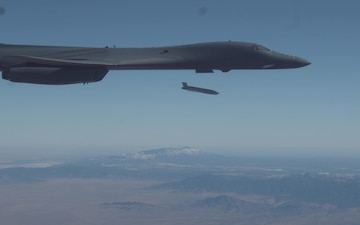B-1B Lancer completes successful external release demonstration