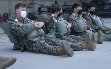 Parachute operations: Pendleton Marines jump out perfectly good airplane