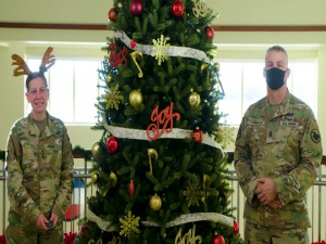 U.S. Army Reserve Holiday Message & Tree Lighting Video