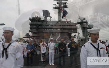 USS Abraham Lincoln (CVN 72) observes Father's Day